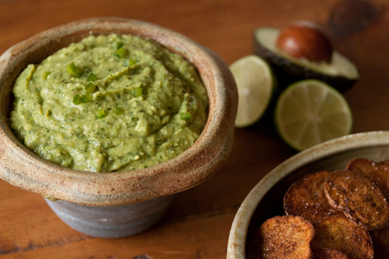 California Avocados Direct + Tomatillo Avocado Dip + Avocado Giveaway