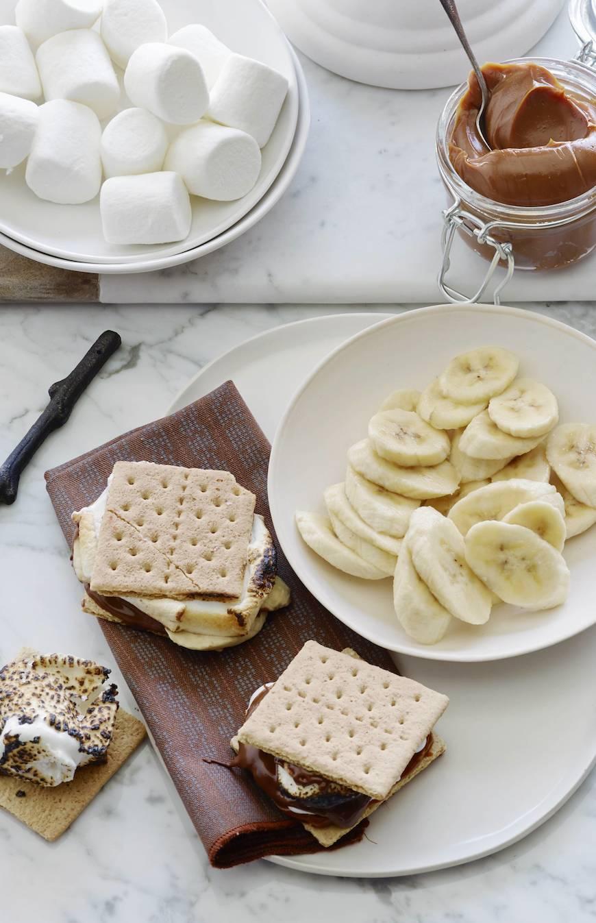 Chocolate and Banana S'mores Bar