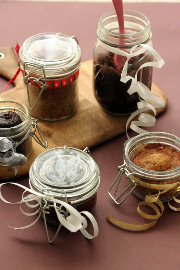 Cakes in a Jar! What a concept huh? Aren't they the most fabulous ...