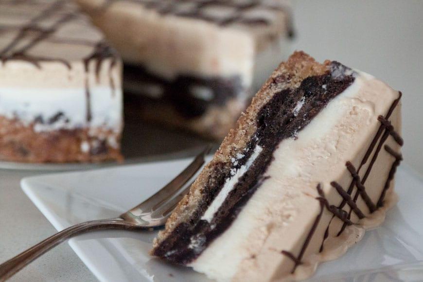 Slutty Brownie Cake With Ice Cream