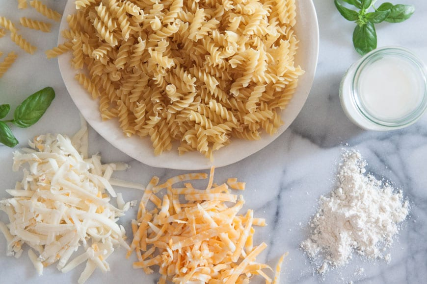 Creamy Mac and Cheese - What's Gaby Cooking