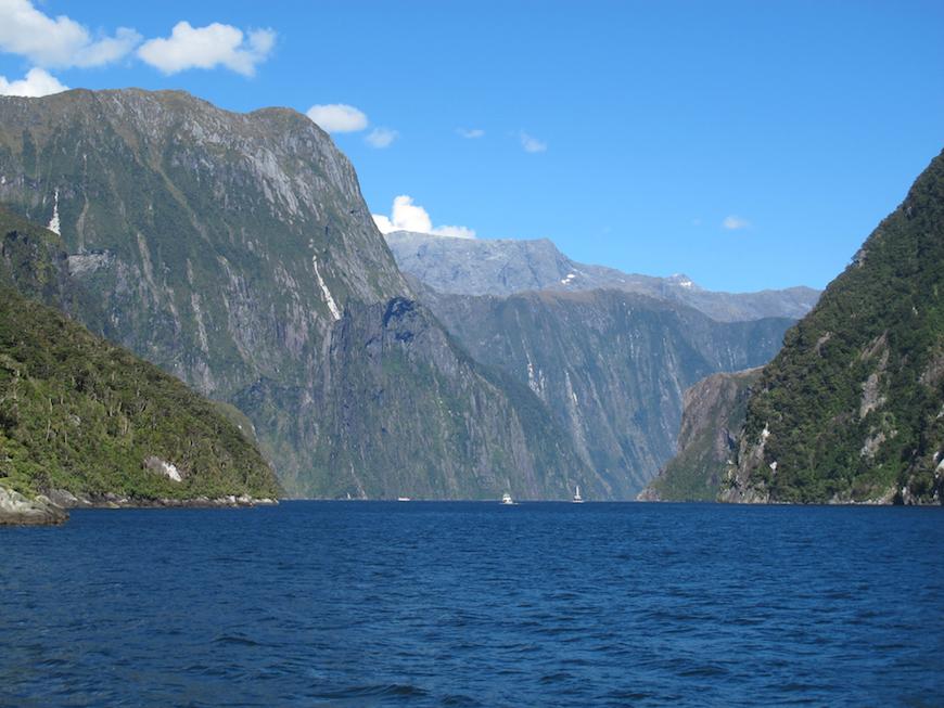 Bucket List Travel / Milford Sound New Zealand