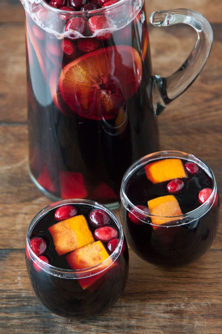 Cranberry Sangria | An Easy Cocktail for Thanksgiving