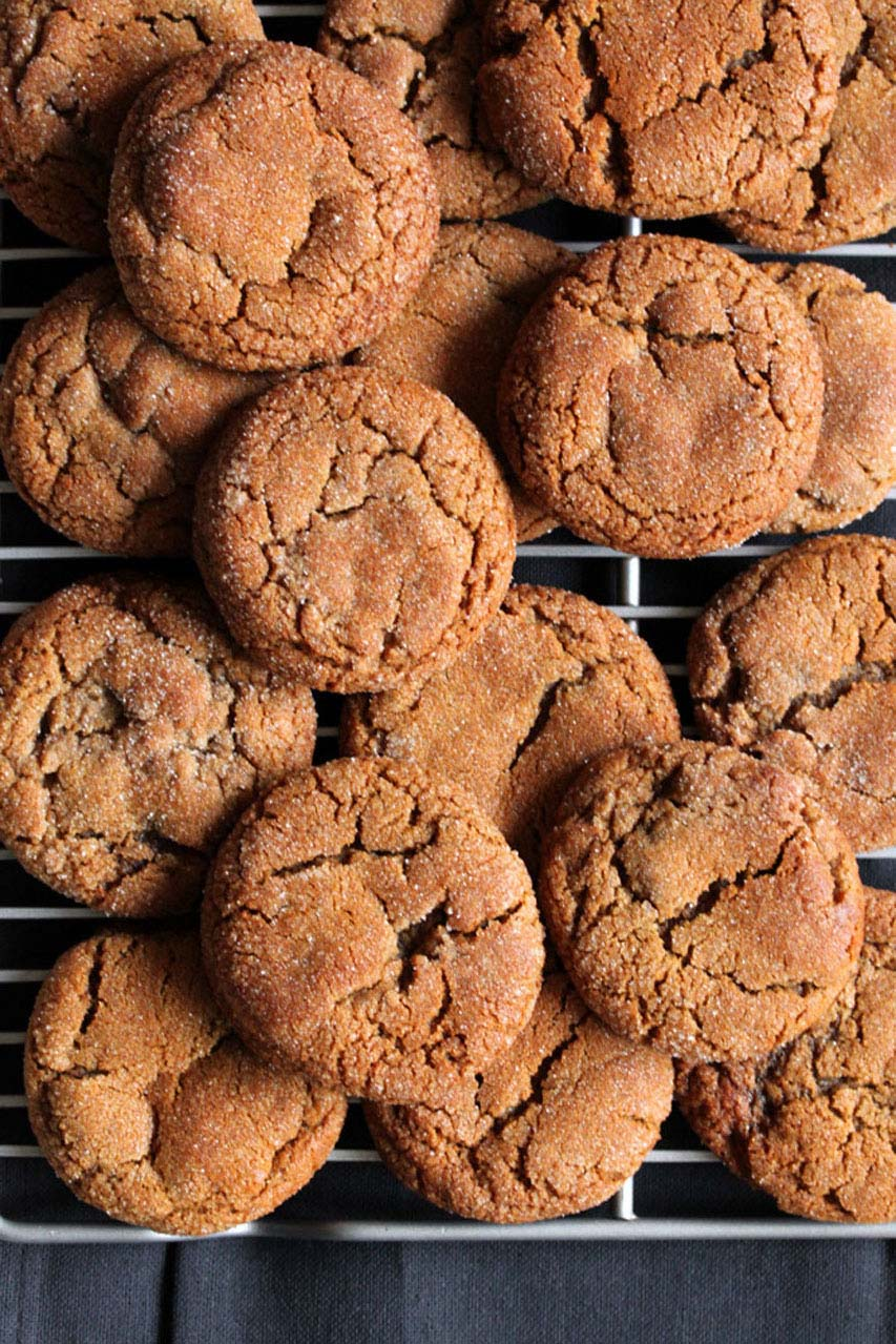 Molasses Cookies | What's Gaby Cooking - These are chewy and delicious!