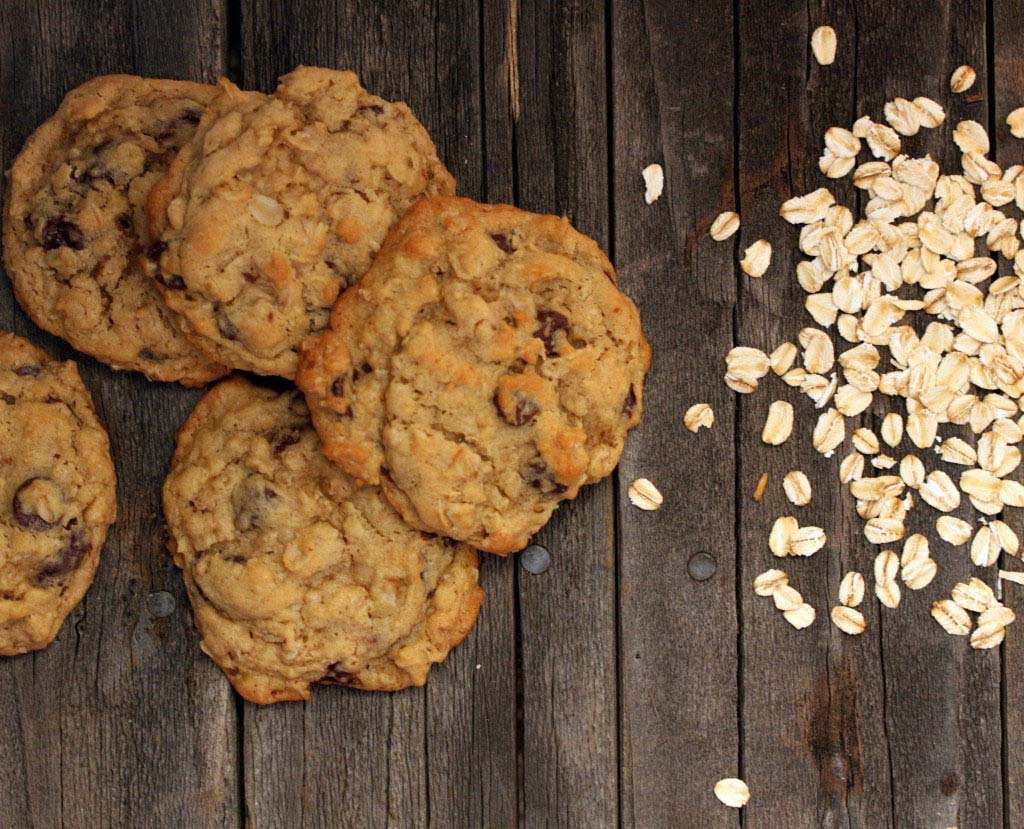 Oatmeal-Chocolate-Chip-Cookies-1024x829