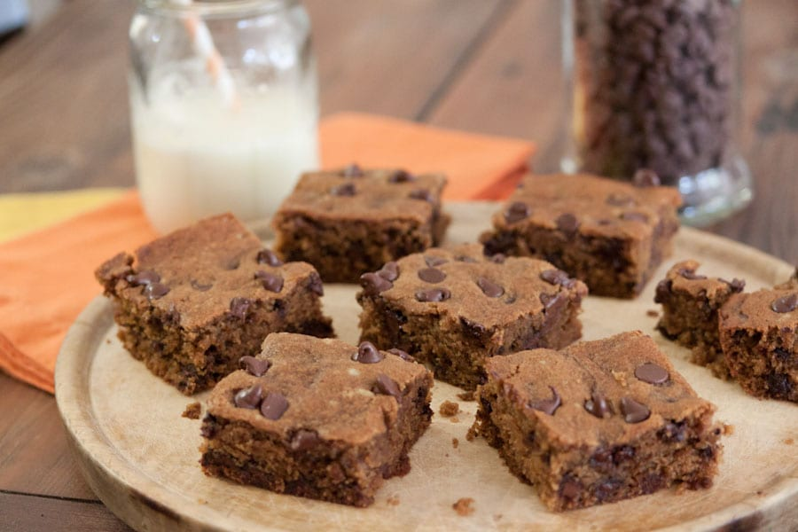 chocolate chip breakfast bars apricot pistachio chocolate chip bars ...