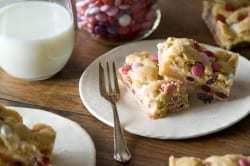 Valentine's Cheesecake Cookie Bars