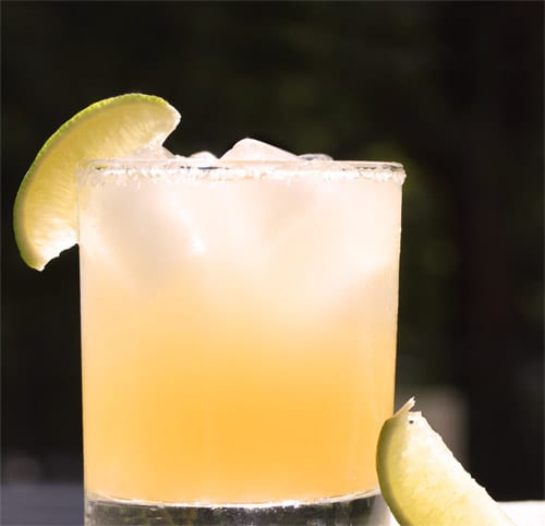 http://whatsgabycooking.com/winter-pomello-margarita/